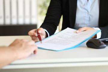 Unterzeichnung des Vertrags